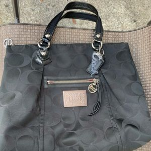 Black coach tote bag. Excellent condition